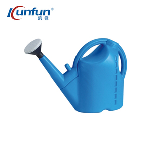 Hot sell 8L watering water can/plastic watering can with rose