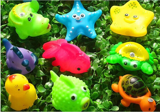 new Bath Toys Cute Soft Rubber Float Sqeeze Sound Baby Wash Play Animals