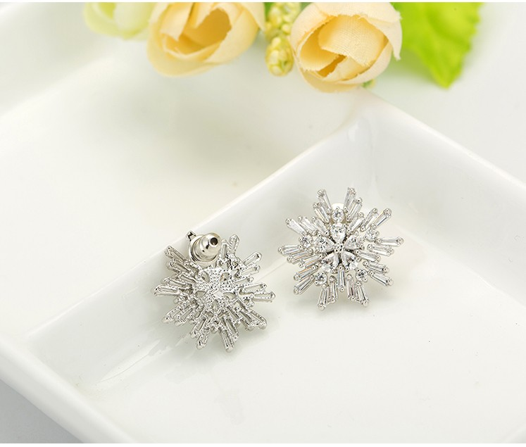 LUOTEEMI Elegant CZ Diamond Jewelry White Gold Plated Sparkling Zirconia Big Snowflake Flower Stud Earrings For Women