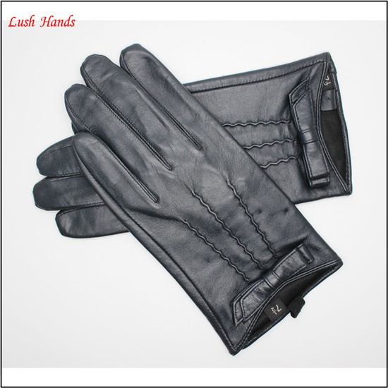 Womens leather car driving gloves for hot sell and the gloves back of hand three back muscle and bowknot adornment