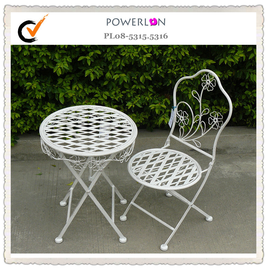 Folding outdoor small children metal table and chairs for Small outdoor table and chairs