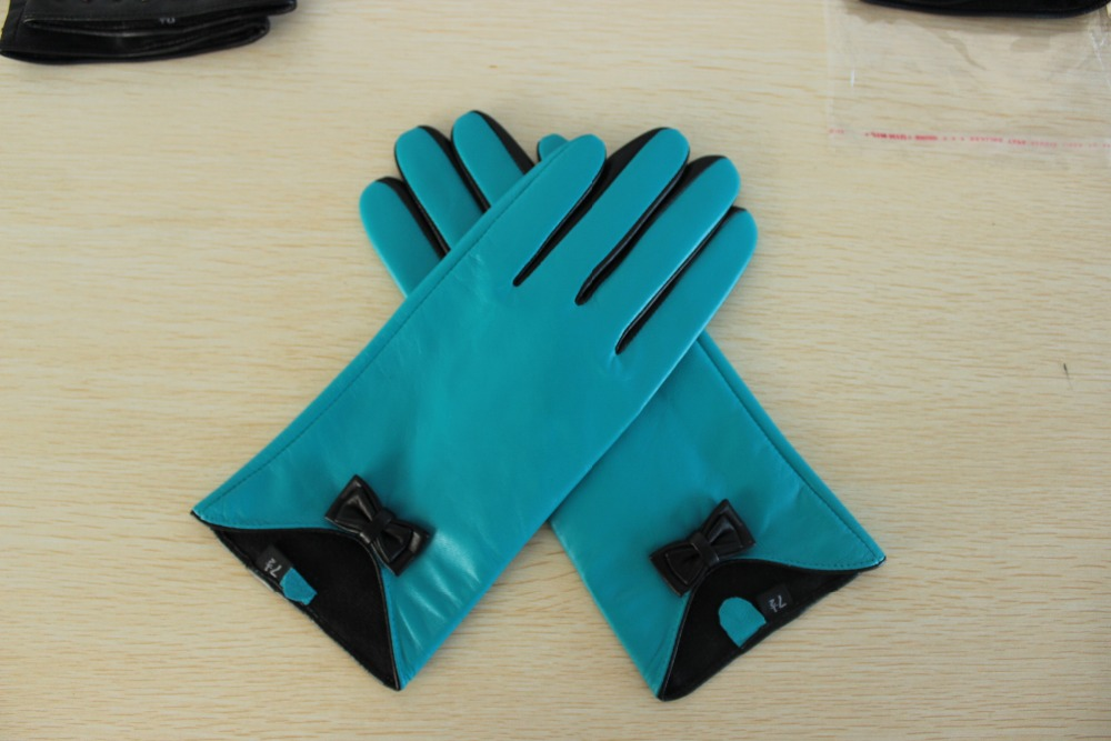 Lady winter fashion skin tight leather gloves with small bow
