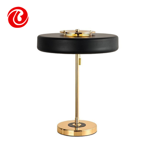 Chinese supplier new arrival gun stand bar home decor bedside table lamp