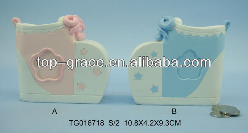2015 resin baby shower pink and blue shoe design coin bank