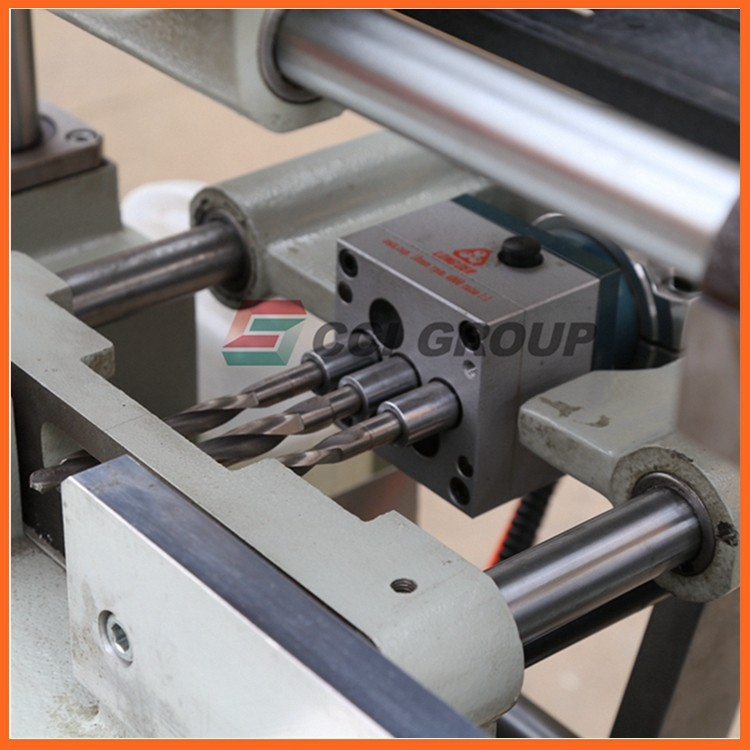 4.SSKC03-100 upvc window making machine