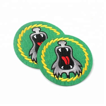 Cheap No Minimum Custom Brand Name Logo Digitizing Machine Clothing Applique Felt Embroidery Patches for Sweater Garment