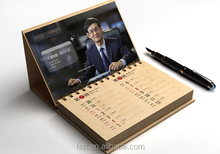 Natural style new fashion guangzhou popular paper desktop calendar
