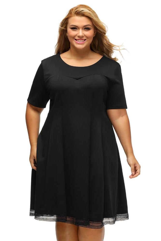 Gorda con vestido corto