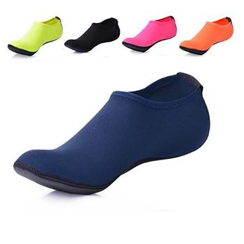 94127f879131 Water Socks Durable Aqua Fins Barefoot Shoes Beach Pool Swim Surf Yoga  Exercise