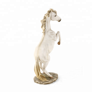 Hot Selling Bedroom Decoration Resin White Horse Statue