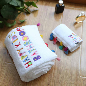 Towel gift packing ideas for wedding white