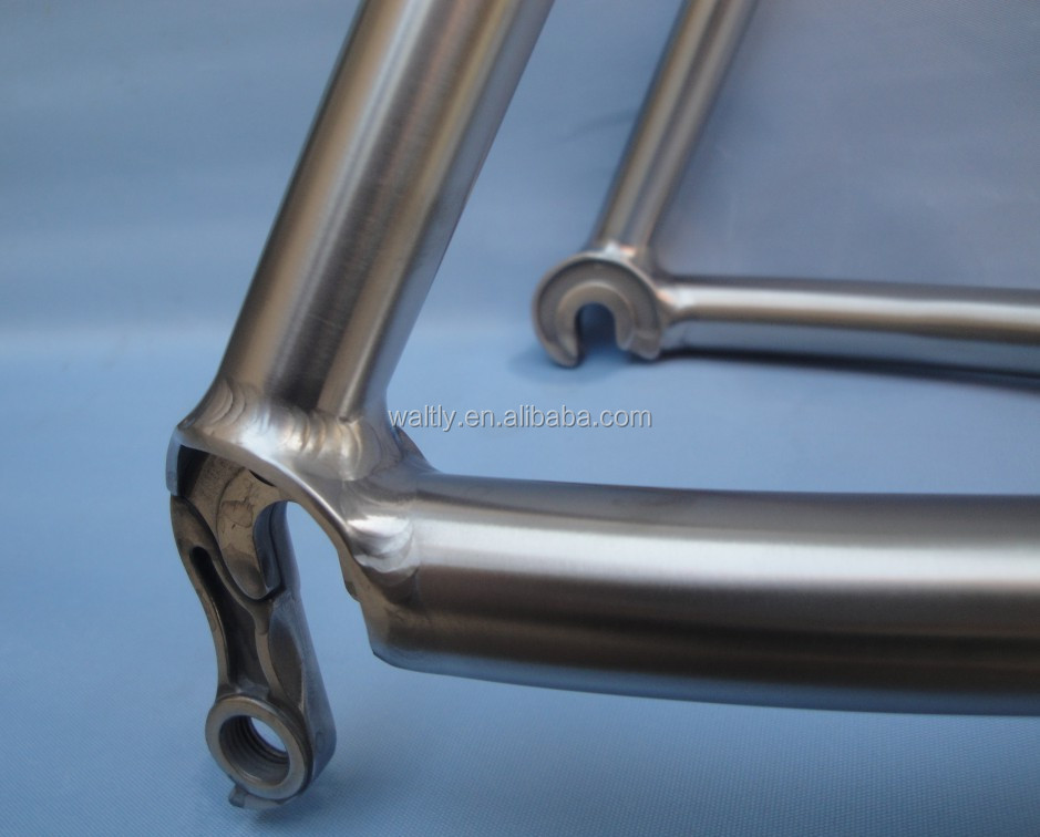 Customized titanium road bicycle frame 700c with standard BB68