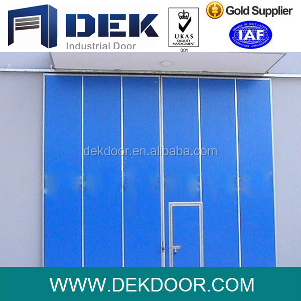 China Smooth Temporary Folding Door For Warehouse