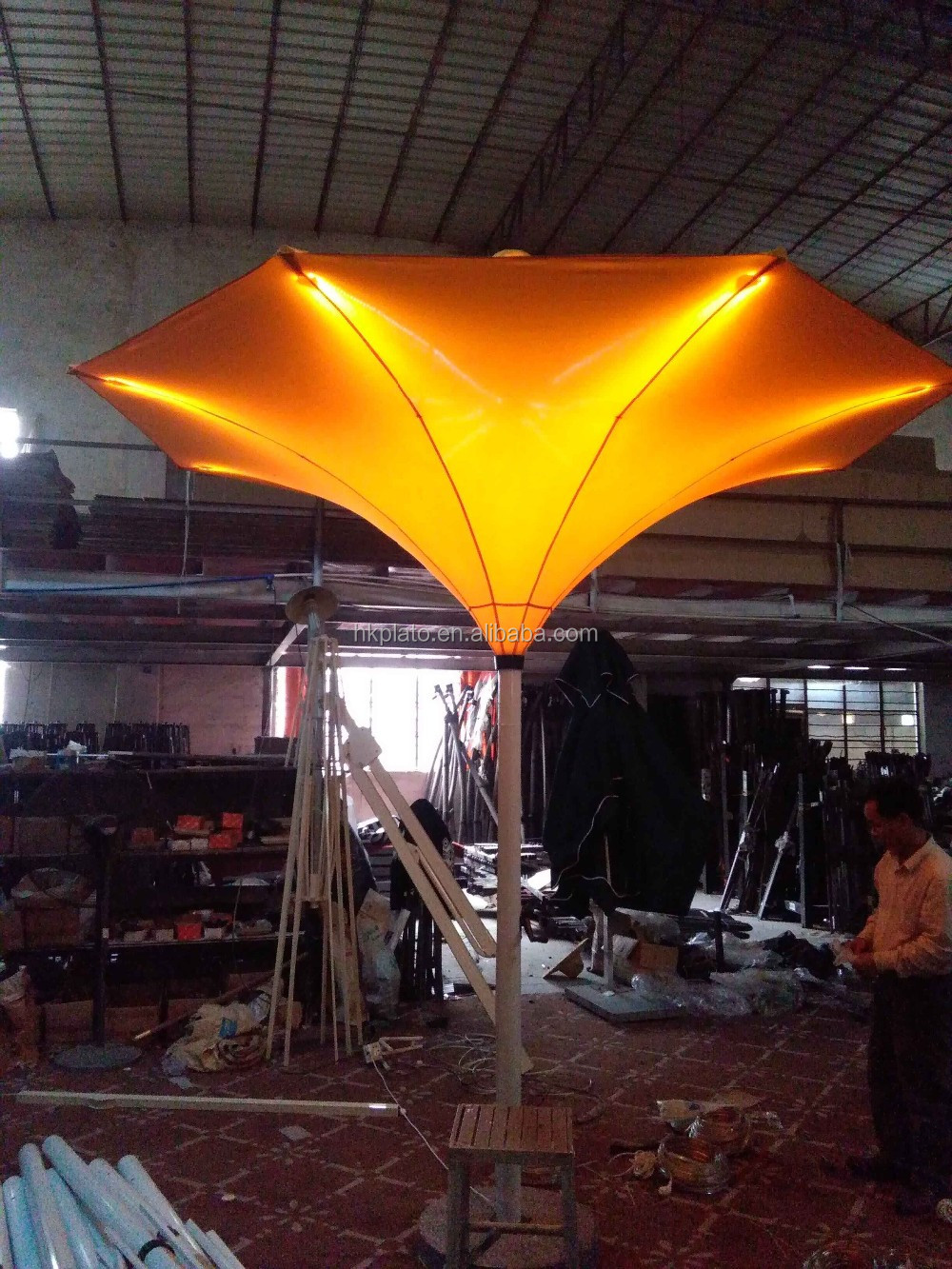 Lighted Italy coffee shop umbrellas, outdoor garden umbrellas, LED tulip  umbrella for decoration