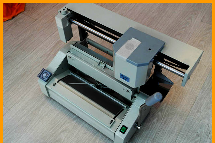 High precision adhesive book binding machine