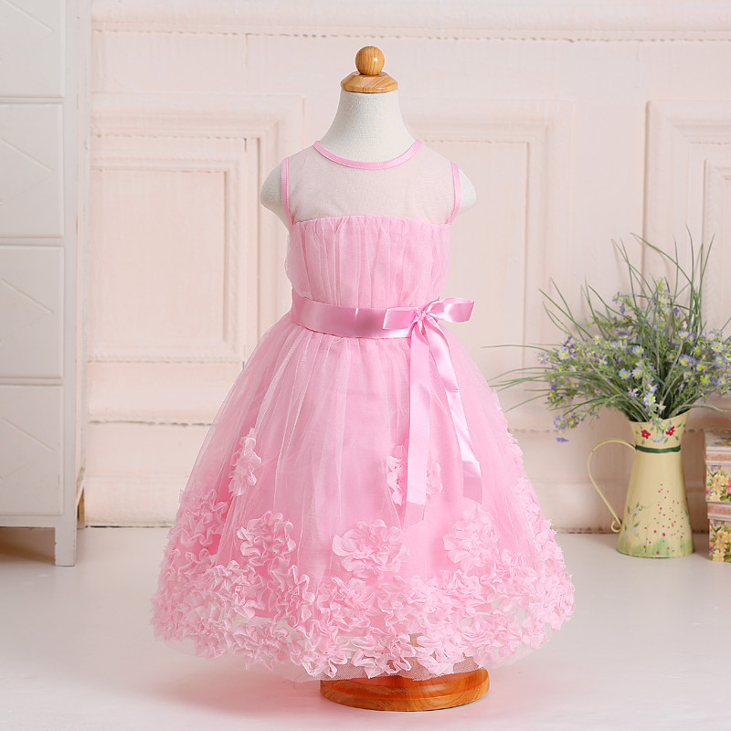 Faye online store for kids dresses. Buy Chic & elegant party dresses and matching hair accessories. Kids birthday dresses & formal dresses. Faye offers designer dresses that\'s vibrant, playful & .