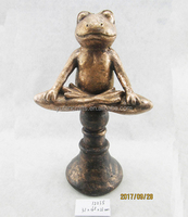 Lifelike polyresin yoga frog with base for best selling