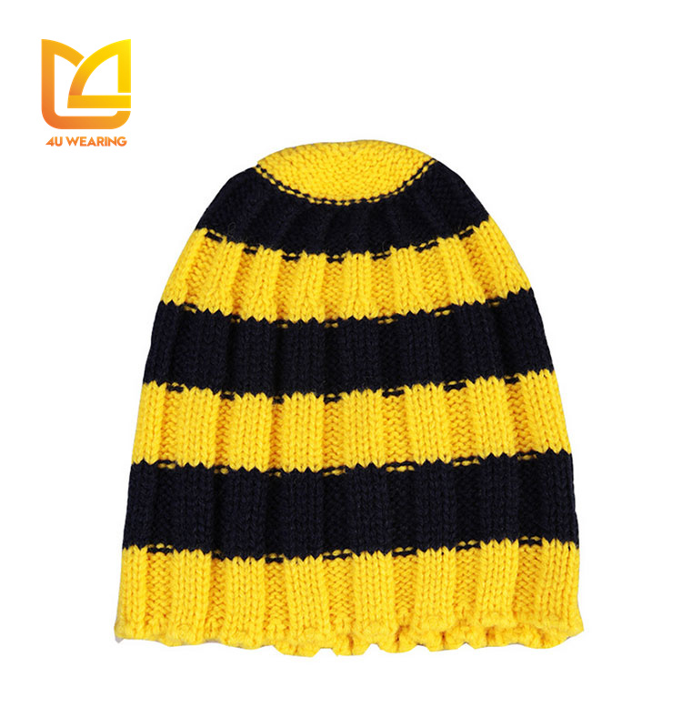 2017 Wholesale pom pom beanie hats wholesale black and yellow striped beanie