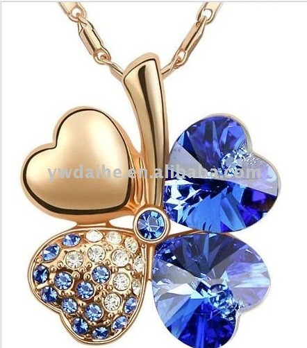 Fashion white gold plated alloy zircon Four Leaf Clover pendant necklace