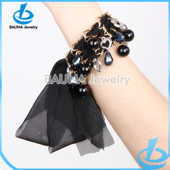 Black fabric gold chain and resin pendant new design anklet