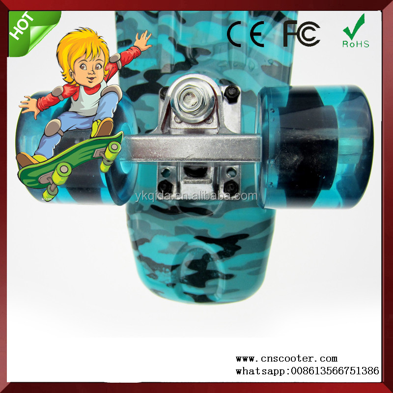new design old school mini plastic skateboard for sale