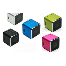 HRW 2018 Hot Sale Fashion Stereo Mini Speaker USB,TF Card MP3 Music Portable FM Radio Mini Speaker
