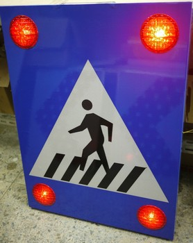 Road Safety Products Solar Led Flashing Pedestrian