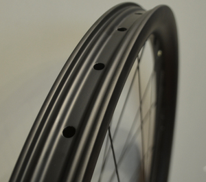 CARBONICIAN 40mm wide 26er tubeless clincher hookless carbon mtb bike 26 inch carbon wheels