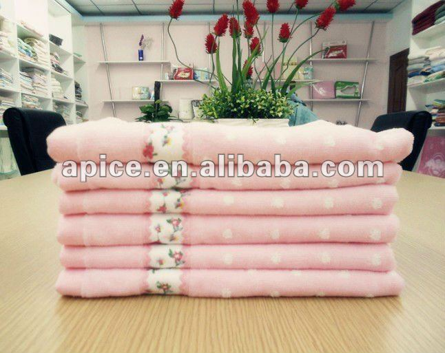 100%Cotton jacquard embroidered hand towel
