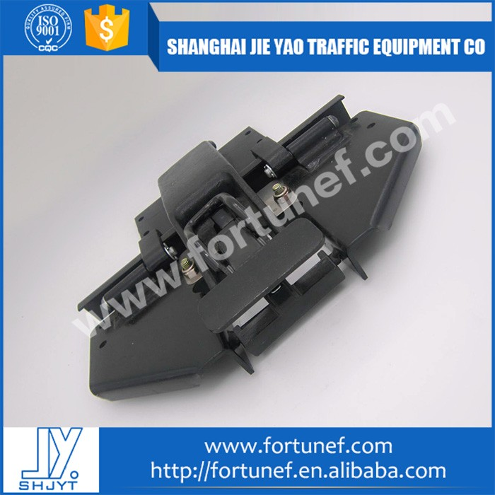 Newest design high quality semi trailer door hinge
