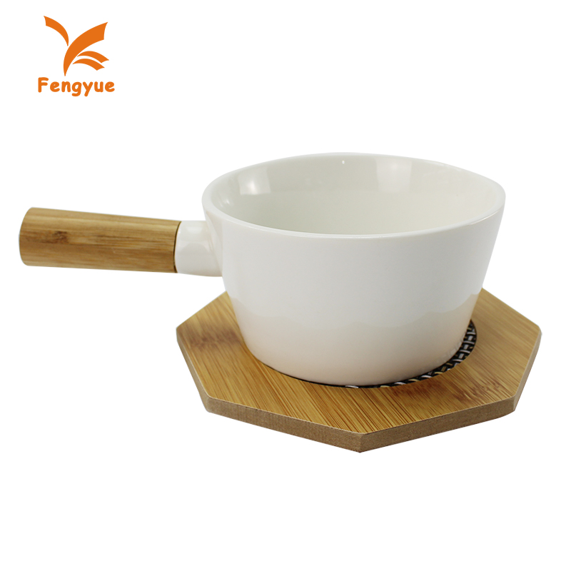 Heat-resisting pot and tray set, white glazed ceramic boiler pot with wooden holder