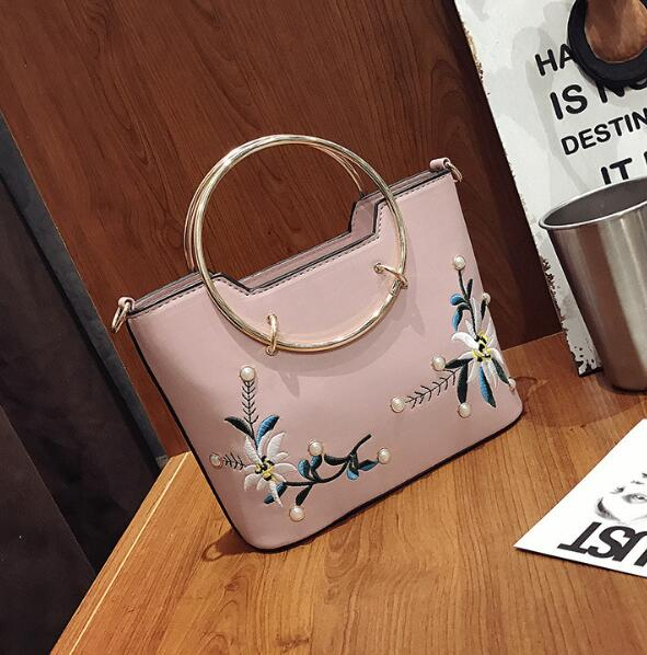 zm35179a korean women leather clutch bag 2017 embroidery shoulder bag