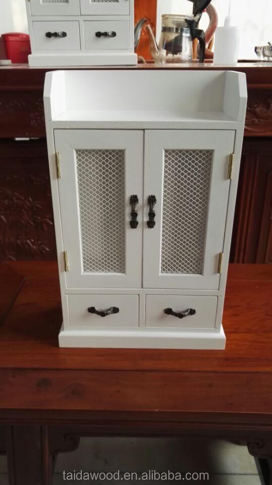 ... Wooden Key Box (6) ...