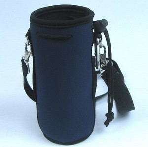Custom neoprene drawstring cooler bag / hot water insulated / bottle thermal carry holder with a adjustive shoulder strap