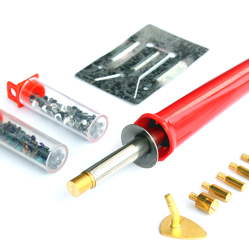 A variety of specifications of the soldering iron set