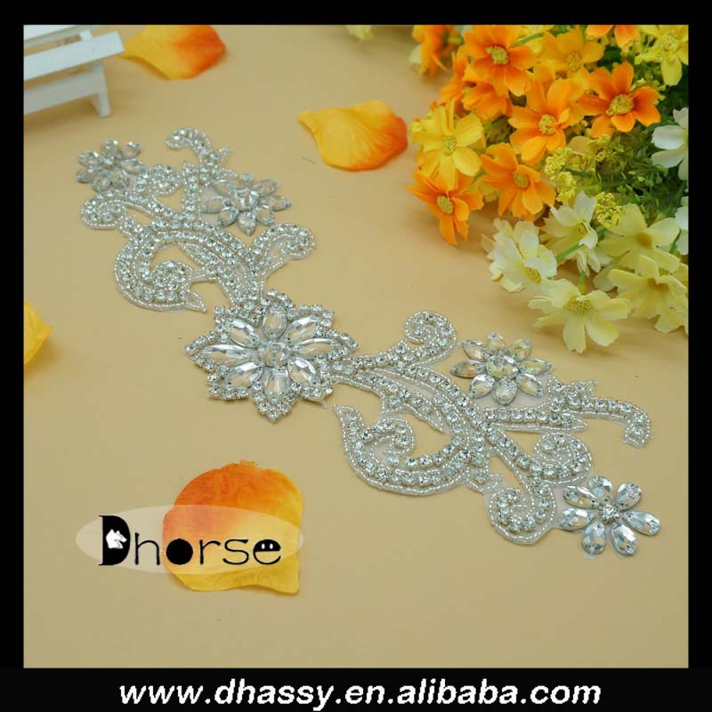 New Design Custom Design Bridal Rhinestone Applique Crystal Applique Sew on Wedding Dress DH-805