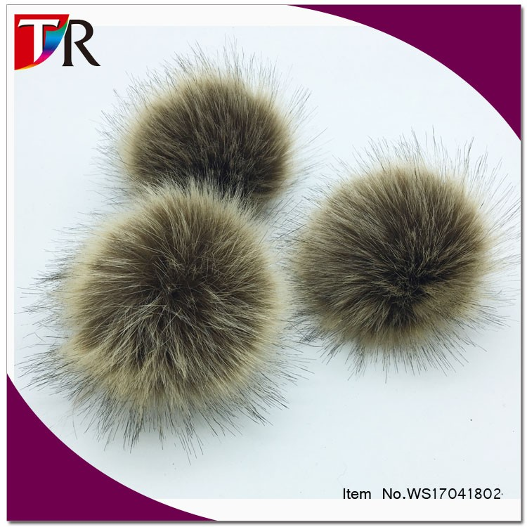 wholesale stock big 15cm faux racoon fur ball for beanie hats and scarves