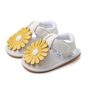 New Beautiful Flower Baby Rubber Sole Girl Walking Sandals in bulk