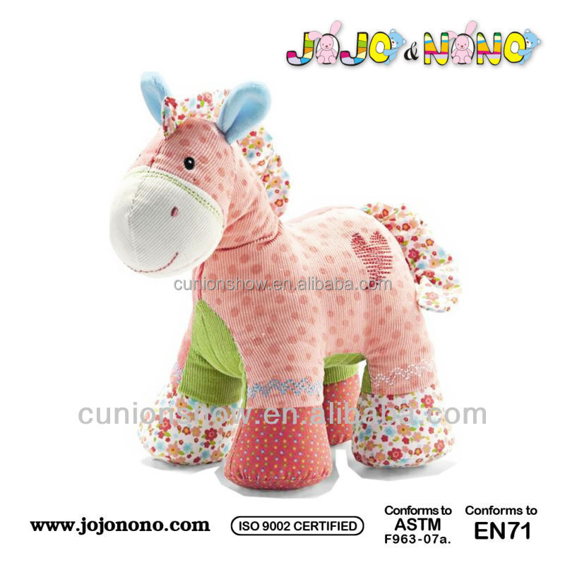 EN71, ASTM certificated high quality soft material mechanical singing horse toy