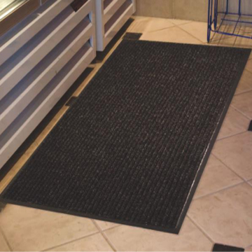 Brush Step Ribbed Entrance Mat