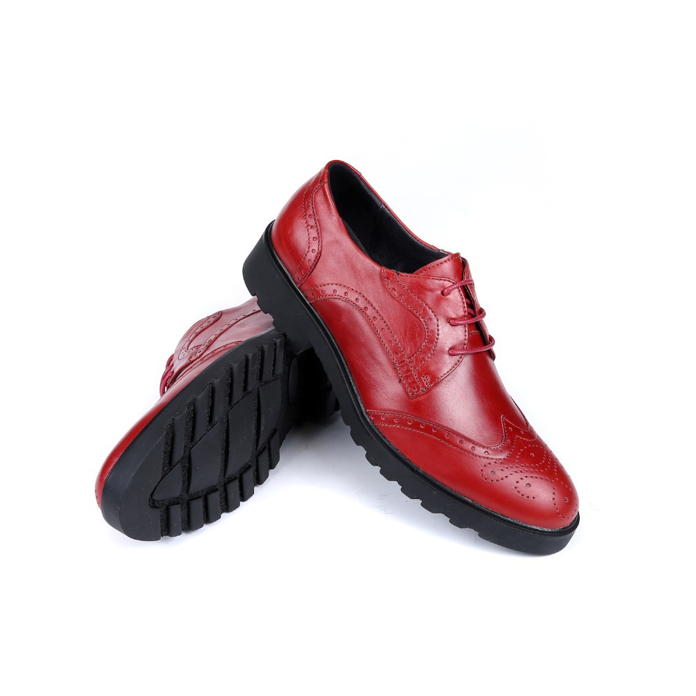 The mens red and white dress shoes are high in its demand due to the fact that they have the ability to completely change the outlook for men and change it for the best. The mens red and white dress shoes are also available in various styles in the stores.
