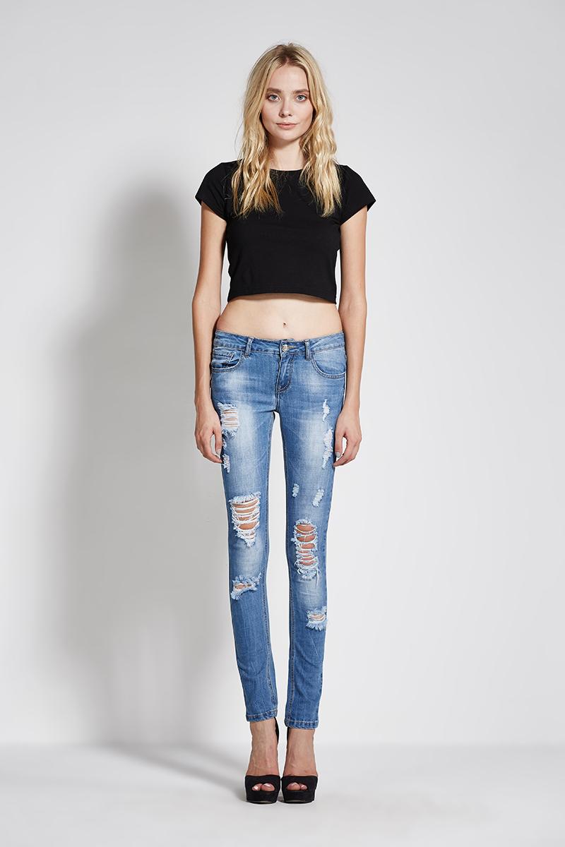 fffeacadded14 Latest Fashion Trend of Jeans 2017