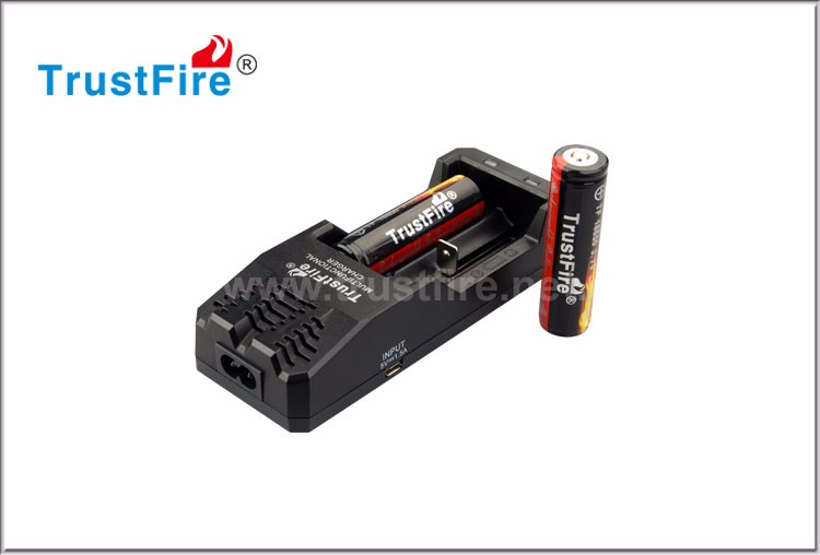 Trustfire newest TR-015 18650 battery charger portable usb charger
