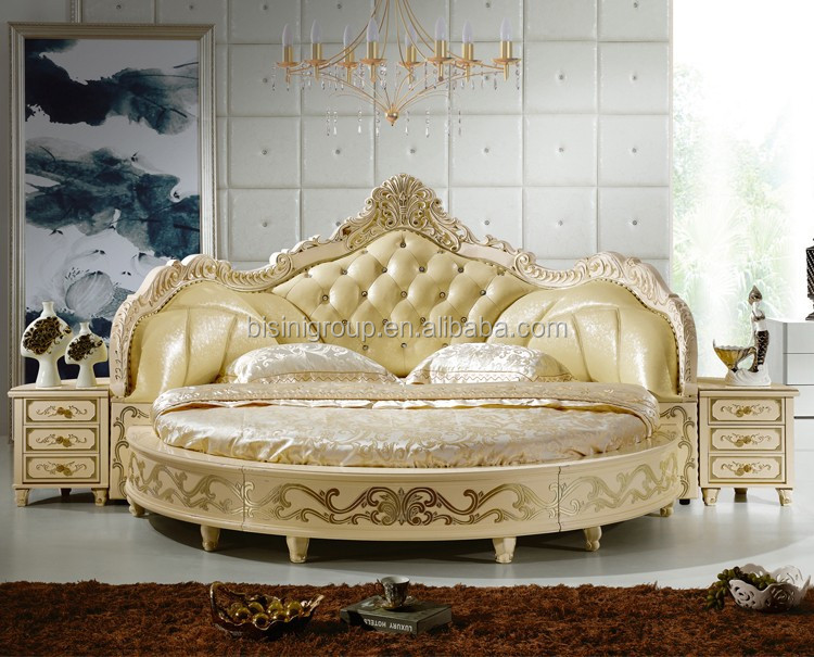 Dise o de dormitorio antiguo europeo ronda cama king size for Round bed design images