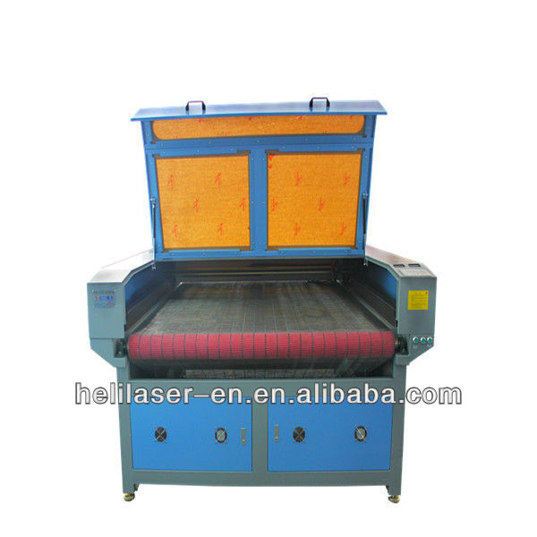 Portable auto feeding paper roll cutting machine for mass production line