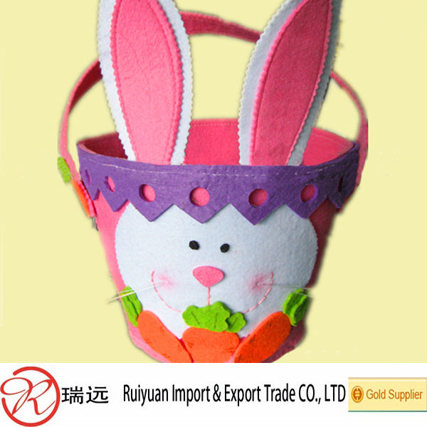 Wholesale hottest felt Easter basket with rabbit and carrot design