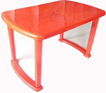 Nilkamal Plastic Dining Table