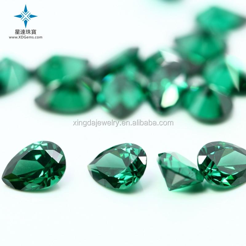 Smeraldo zambiano verde naturale a forma di pera per la