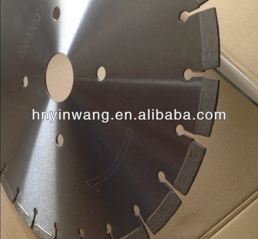 Diamond saw blade for granite cutting