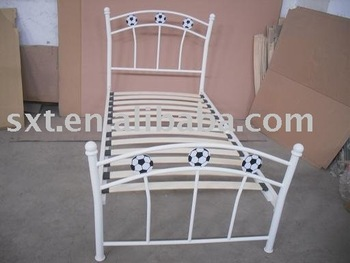 2015 Bazhou Single Football Metal Bed Frame With Wood Slat Bedroom Fruniture